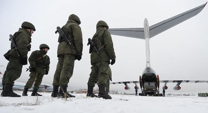 Поред здружених јединица ЗВО и ЦВО, на узбуну су подигнуте и команде Ваздушно-космичке одбране, јединица Ваздушно-десантних снага, Стратегијске и Војно-транспортне авијације. Извор: ИТАР-ТАСС.