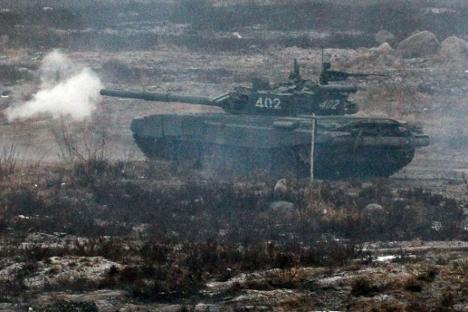 """Главни циљ недавних акција руске војске је """"свестрана провера уиграности јединица приликом извршавања наставно-борбених задатака на непознатом терену"""". Извор: Росијска газета."""