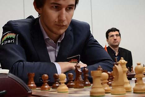 """Сергеј Карјакин: Највећа предност Керлсена је у томе што практично никада не греши, он игра као машина. Извор: РИА """"Новости""""."""