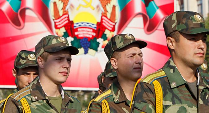 Док се руске мировне снаге тек припремају за маневре, придњестровски војници већ пролазе интензивне тренинге. Извор: Reuters.