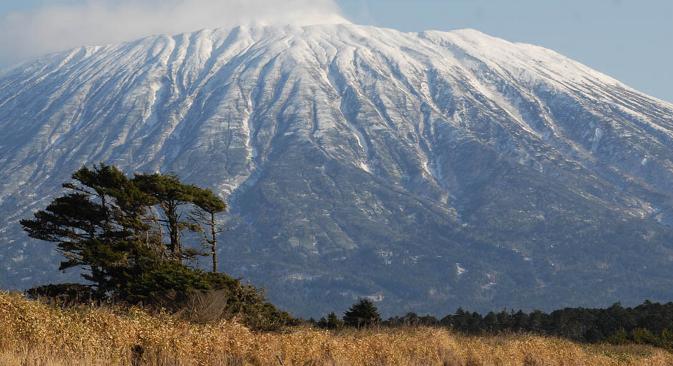 Јапан има територијалне претензије на јужни део архипелага (Итуруп, Кунашир, Шикотан и низ мањих острва, које Јапанци зову Хабомаи) Фотографија:  Андреј Шапран.