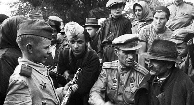 """Деца хероји заузимала су посебно место у совјетској култури као светли примери храбрости и самопожртвовања за младе генерације које нису осетиле ужасе рата. Извор: РИА """"Новости""""."""