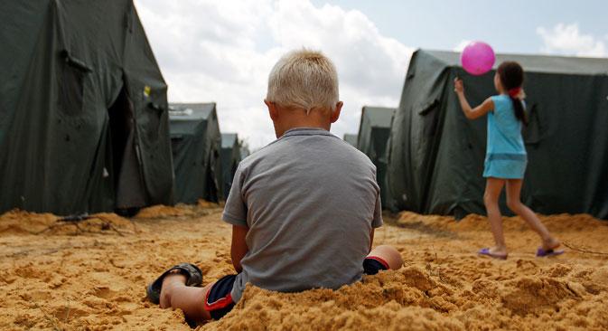 Откако је на југоистоку почела војна операција у Русији се нагло повећао број избеглица из Украјине. Извор: Reuters.