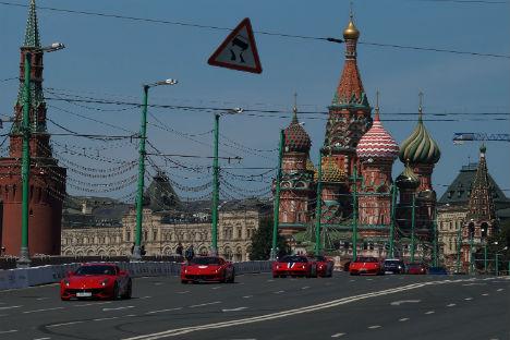 """Главна тачка шоу-програма """"Moscow City Racing 2014"""" биле су трке болида """"Формуле 1"""". Фотографија: Олга Соколова."""
