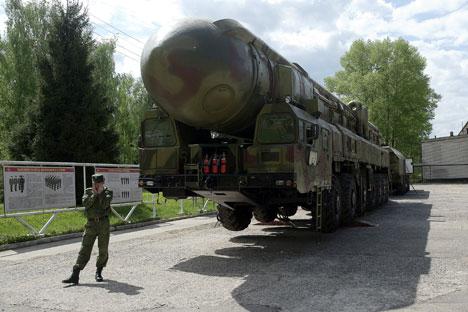 """Ракетни комплекс """"Топољ РТ-2ПМ"""" (по класификацији НАТО-а SS-25). Извор: РИА """"Новости""""."""
