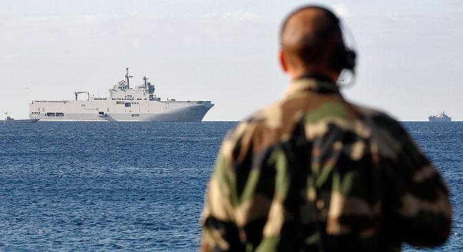 """У игри око """"Мистрала"""" је и имиџ француске владе као предвидљивог и одговорног комерцијалног партнера, а таквим ауторитетом нико не жели да се коцка. Извор: Reuters."""