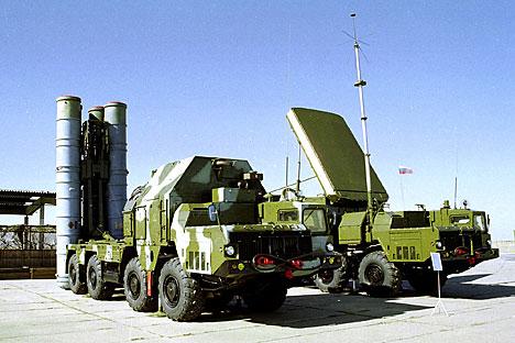 С-300 који је био намењен Сирији не може се продати другој земљи зато што се ПВО системи прилагођавају специфичним климатским условима и квалификацији стручњака. Извор: AP.