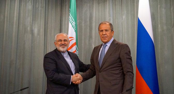 Министри спољних послова Ирана и РФ, Мухамед Џавад Зариф и Сергеј Лавров. Фотографија из слободних извора.