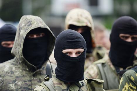 Não são só os moradores locais que integram as fileiras das milícias em Donbass, há também um grande número de voluntários oriundos de outras áreas Foto: RIA Nóvosti