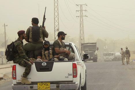 """""""Исламска држава"""" је супротстављена свим државама у борби за власт у муслиманском свету. Извор: Reuters."""