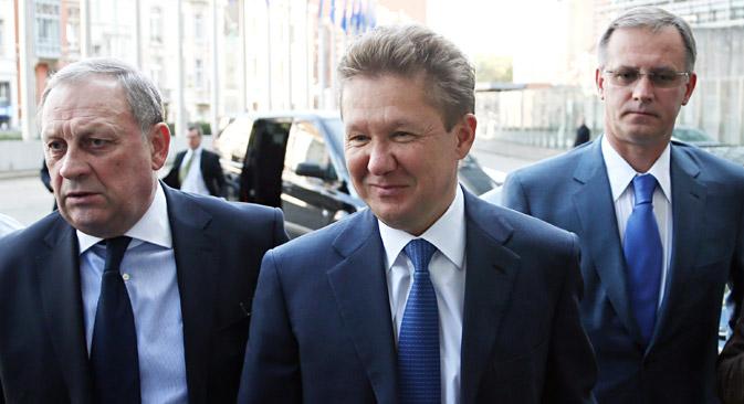 """Први човек """"Гаспрома"""" Алексеј Милер (у средини) долази на трилатерални састанак Русије, ЕУ и Украјине у седишту Европске комисије у Бриселу (јун 2014). Извор: Reuters."""