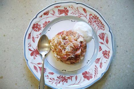 """Запеканка са воћем, поврћем и швапским сиром направљена по рецепту из """"Књиге о укусној и здравој храни"""". Извор: Ана Харзејева."""
