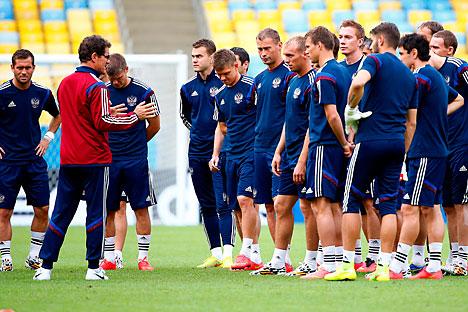 У клубовима Руске фудбалске премијер лиге за ову сезону је регистровано 177 страних играча. Извор: Reuters.