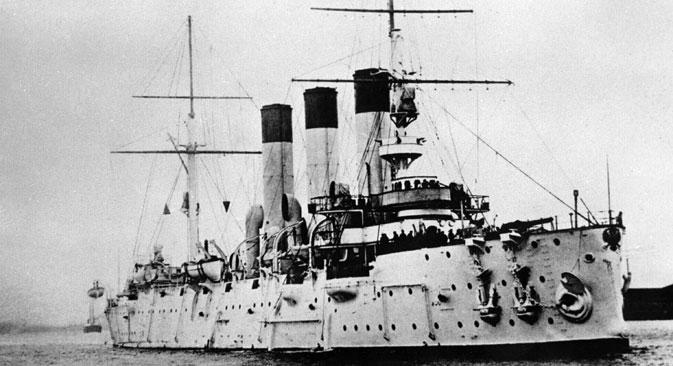"""""""Аурора"""" је позната као један од најважнијих симбола Револуције 1917. Сматра се да је управо плотун испаљен са овог брода дао револуционарима знак за јуриш на Зимски дворац. Извор: РИА """"Новости""""."""