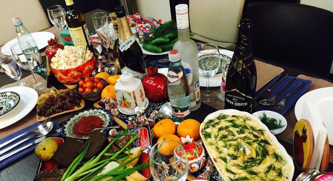 Хране за Нову годину има толико да је веома добро што већина Руса почиње да ради тек 12. јануара. Фотографија: Ана Харзејева.