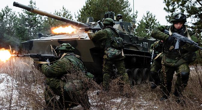 Страни припадник војске стиче могућност да добије руско држављанство по поједностављеној процедури. Извор: mil.ru.