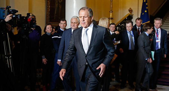 Шеф руске дипломатије Сергеј Лавров у Паризу. Као позитиван резултат сусрета посматрачи наводе чињеницу да ситуација у Дебаљцеву за Запад није била довољан основ за прекид минског процеса. Извор: Reuters.