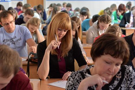 """Ове године се за """"Тотални диктат"""" пријавило преко 100 организатора из 52 земље, а број пријава и даље расте.  Извор: Алексеј Малгавко / РИА """"Новости""""."""