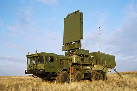 """Јединице Ваздушно-космичке одбране већ поседују четири радарска противваздушна комплекса """"Свевисински разоткривач"""". Извор: lemz.ru."""