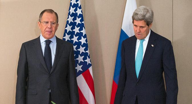 Сергеј Лавров је замолио свог америчког колегу да искористи свој утицај на Кијев и издејствује да украјинска страна у потпуности испоштује услове примирја. Извор: AP.
