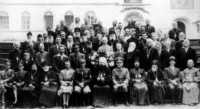 Свештеници Псковске мисије. Фотографија из слободних извора