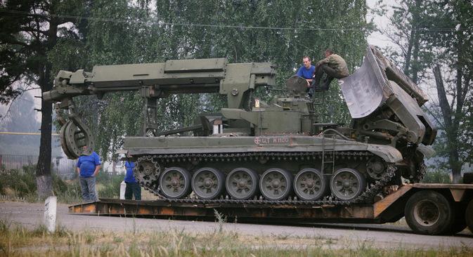 "Инжењеријска машина за рашчишћавање ИМР-2. Фотографија: Руслан Кривобок / РИА ""Новости""."