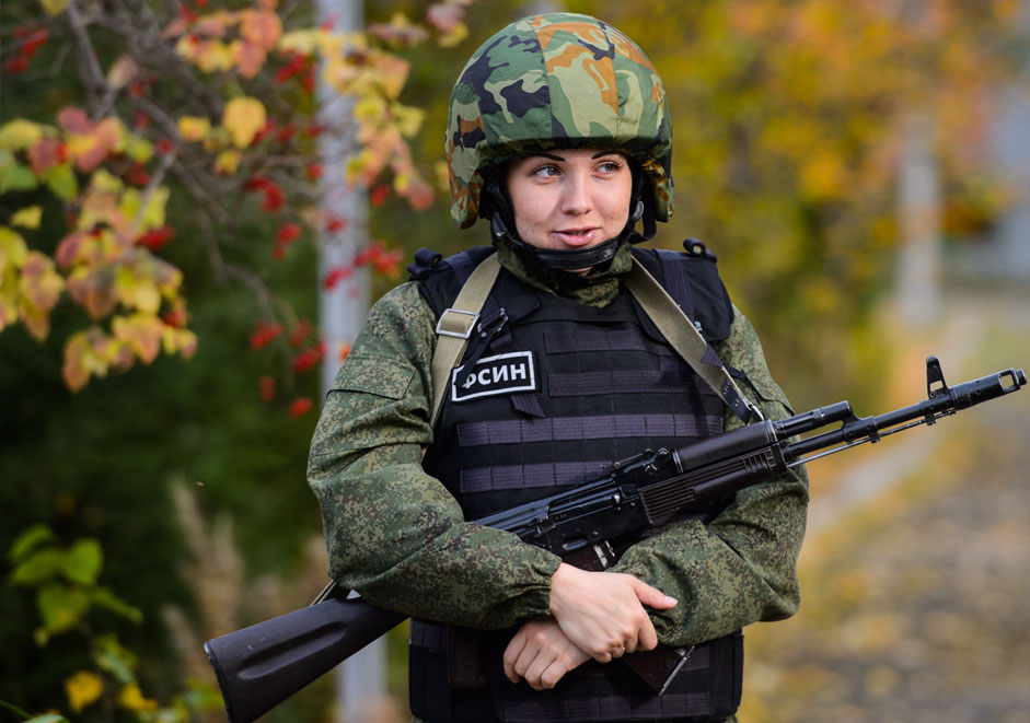 Russia. Nizhny Tagil. 29 September 2015. Fighter rapid response team (riot FSIN), consisting of 17 employees of the Nizhny Tagil women's prison number 6, during the session on the liberation of the hostages and capture offenders regime. Female special forces designed to prevent violations in prison.