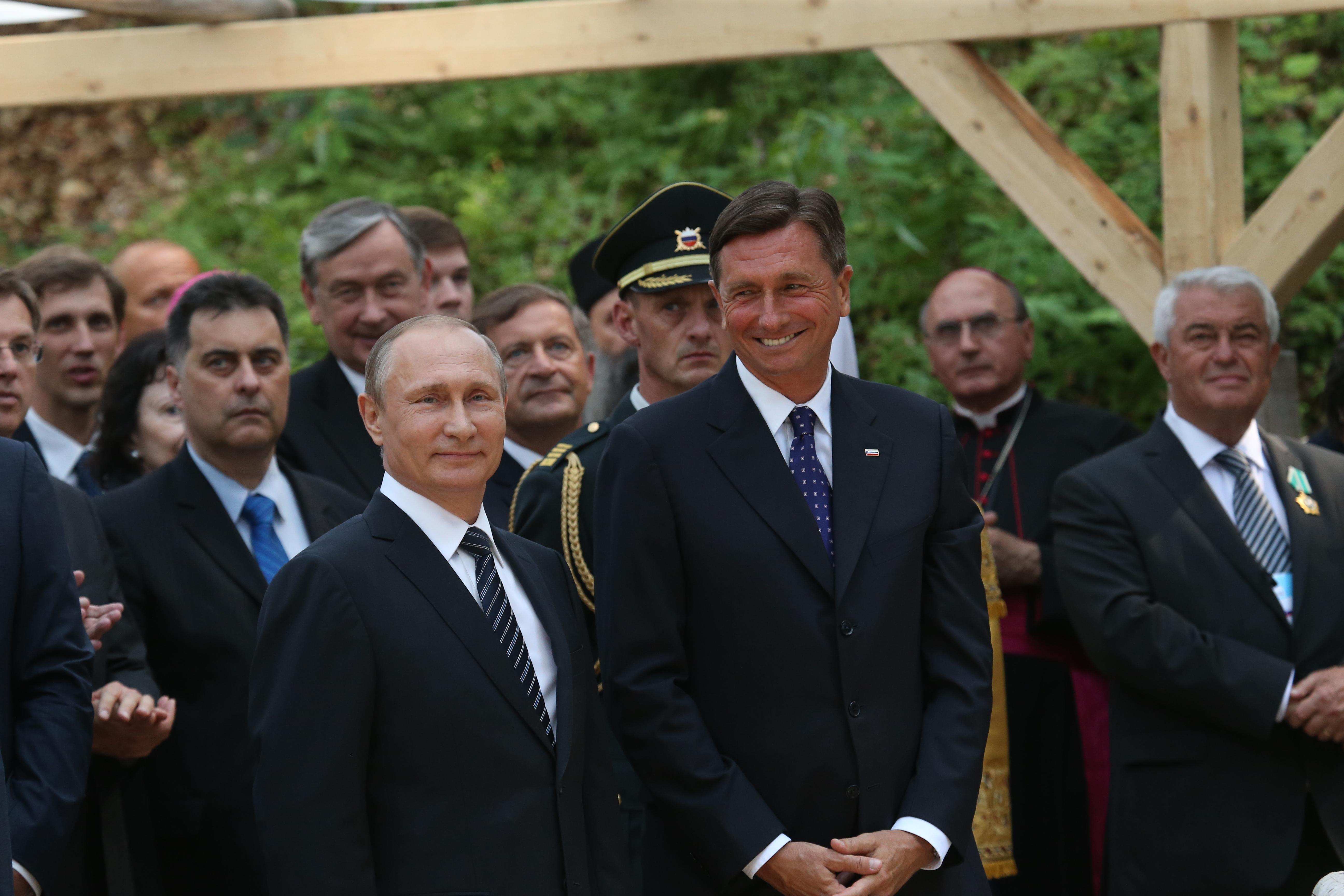 Ruski predsednik Vladimir Putin in njegov gostitelj, slovenski predsednik Borut Pahor.