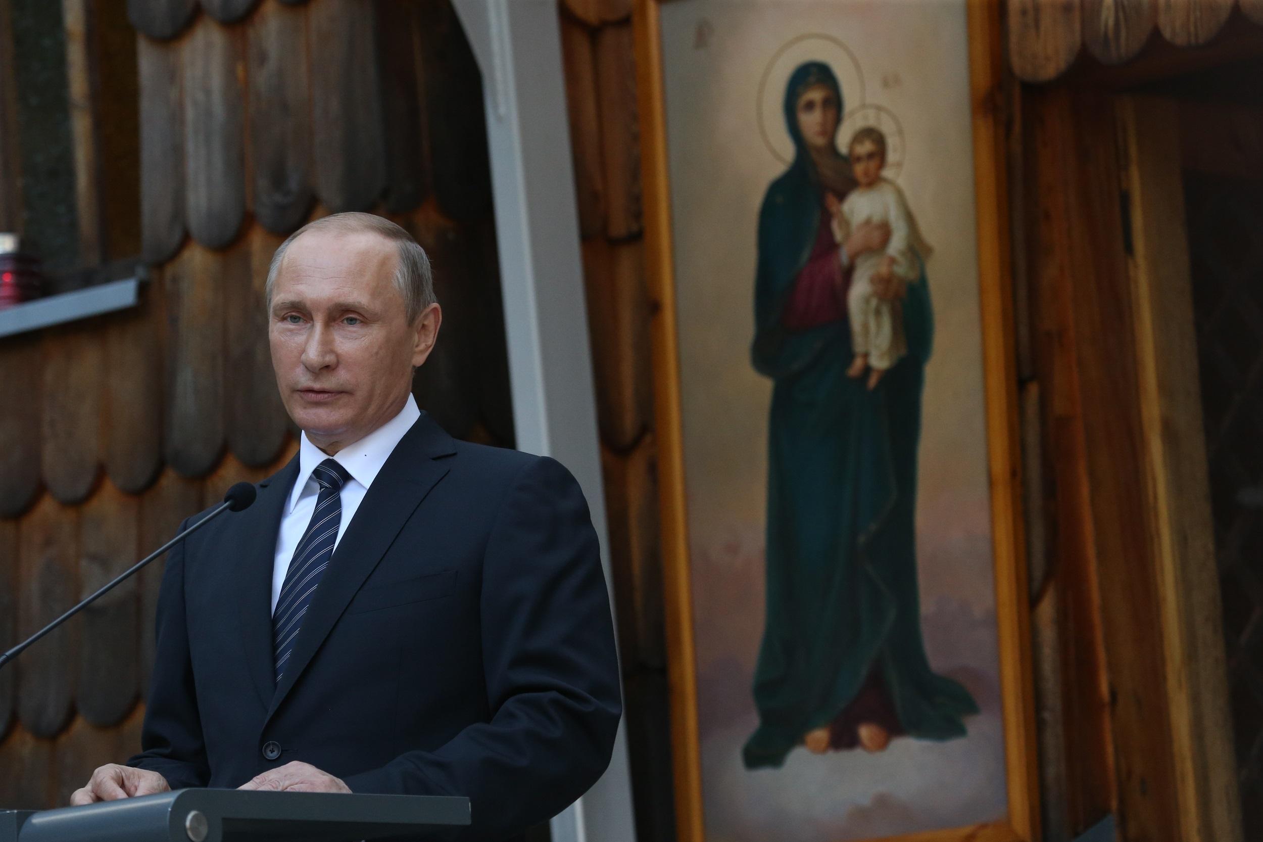 Spasibo, Slovenija se je ruski predsednik Vladimir Putin zahvalil, ker skrbimo za skupen spomin.