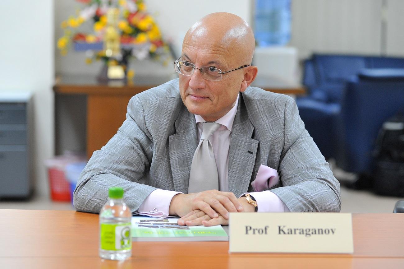 Сергеј Караганов.