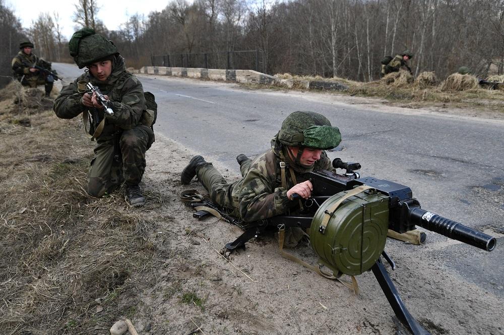 Руски падобранци на вежбама у Витебску (Белорусија).
