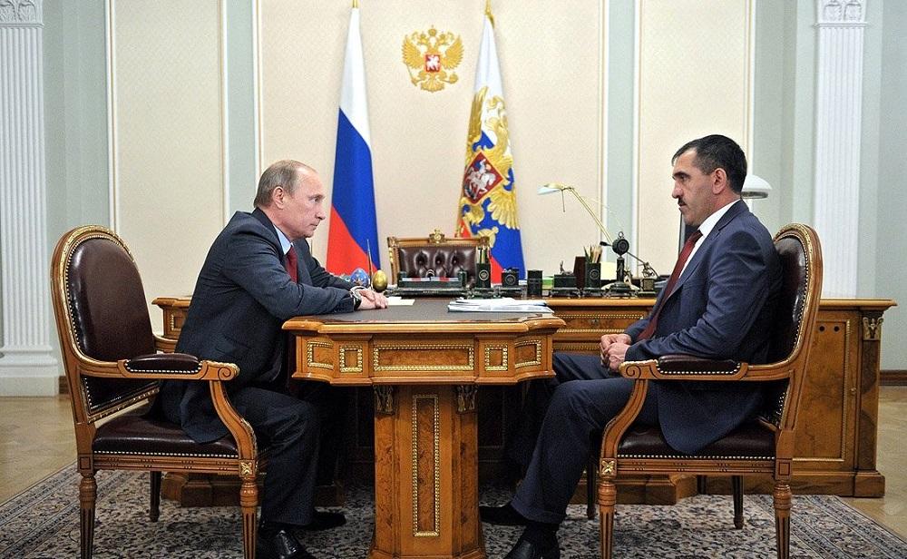 Владимир Путин и Јунус-Бек Јевкуров / Kremlin.ru