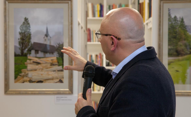 Avtor razstave Valerij Maljcev pripoveduje o svojem fotografiranju.\n