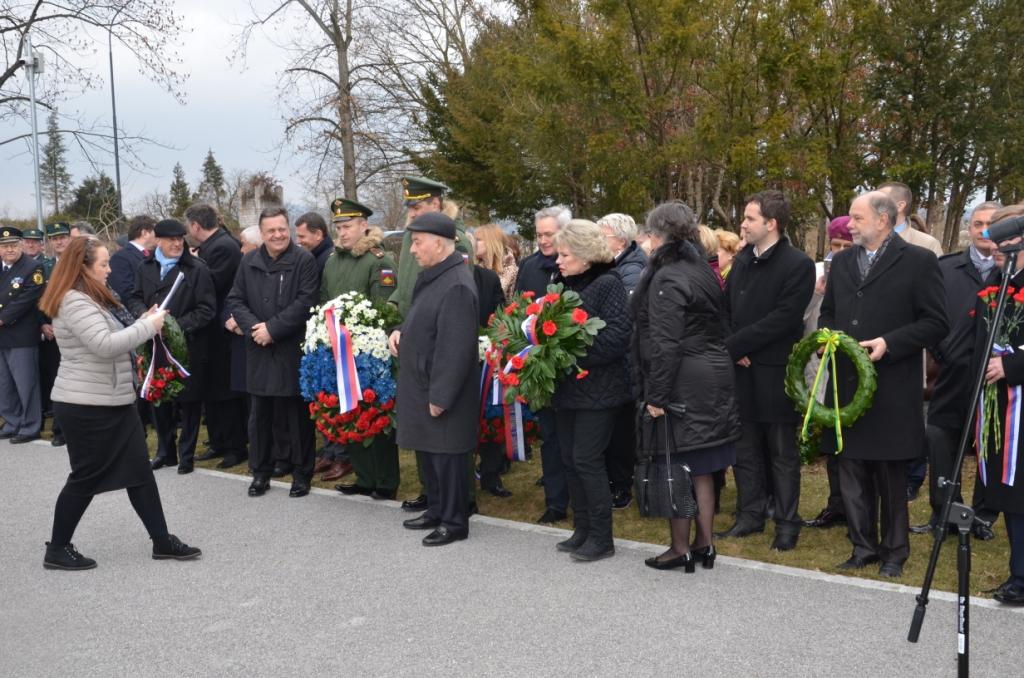 Osrednja komemoracija ob Dnevu zmage bo jutri na ljubljanskem pokopališču Žale.