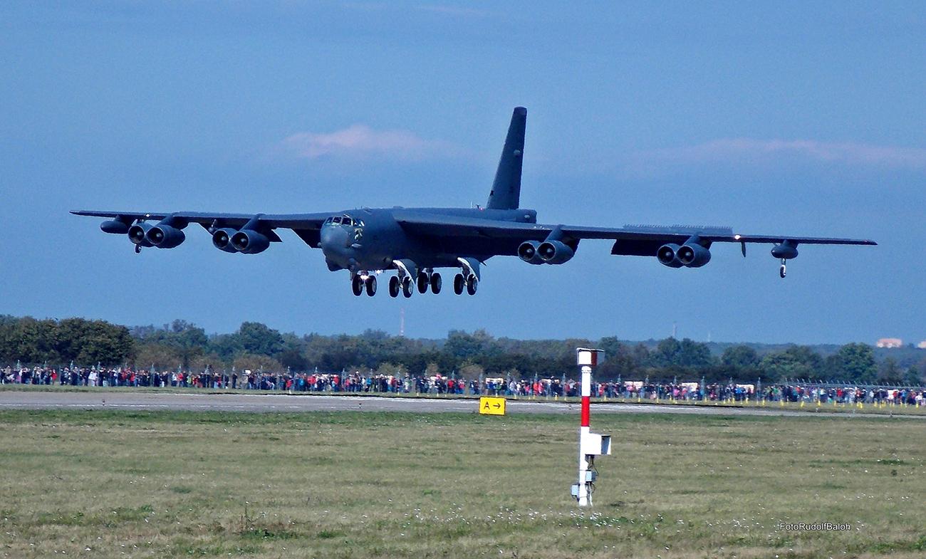 Ameriški bombnik B-52.