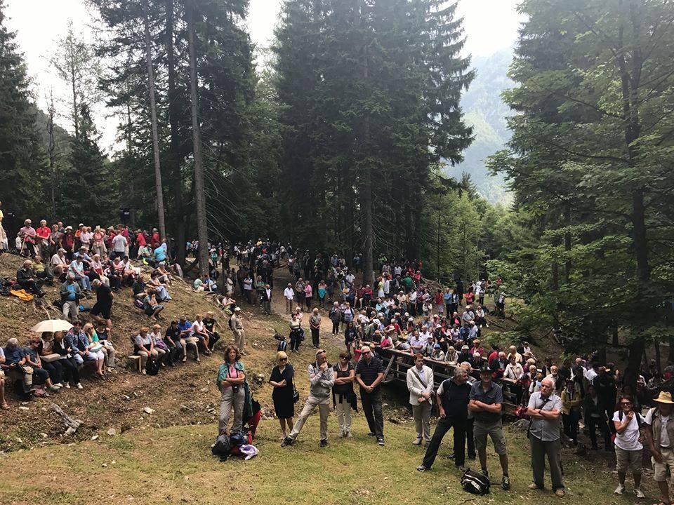 Letos je slovesnost obiskalo okoli 1000 ljudi.\n