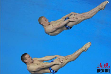 Dupla Iliá Zakharov e Evguêni Kuznetsov também promete nos saltos ornamentais em Barcelona Foto: RIA Nóvosti