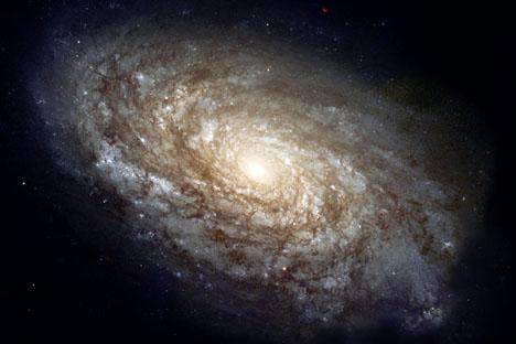 Os trabalhos de Starobínski e Muhanov permitiram prever quais as características especiais deve ter hoje em dia o espectro da radiação cósmica de fundo, a única evidência que  restou dos momentos iniciais do nascimento do Universo Foto: wikipedia